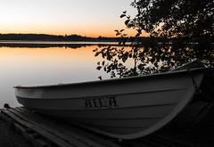 Aila (Antti Tassberg) Tags: autumn sunset lake fall espoo suomi finland boat twilight lowlight syksy aila vene jrvi uusimaa pitkjrvi lhy laaksolahti huvilaharju huvilayhdistys kokkoranta