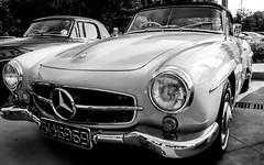 190SL (Umesh L) Tags: blackwhite nikon sigma autoshow mercedesbenz srilanka 18200mm mercedesbenzpageant2013