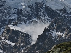 IMG_1364 - un boato: la valanga in diretta.... (RRT:D*:D*) Tags: italy snow mountains alps ice montagne neve alpi ghiaccio rrtdd