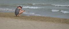 Adriatique (www.darnoc.fr) Tags: mer photoshop canon eos vacances soleil femme sable t 70300mm plage italie lightroom adriatique 6d 70300 ef70300mmf456isusm photosderue eos6d