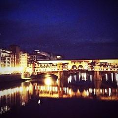 Un brindisi dalla nostra #Firenze! Buon #weekend, domani e domenica siamo al #Florence #wine #event! Vi aspettiamo! (cantineleonardodavinci) Tags: square squareformat iphoneography instagramapp uploaded:by=instagram