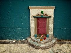 Fairy Door (jhwill) Tags: 50mm michigan annarbor olympus omd em1 fairydoor 50mm20 omdem1