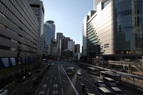 大阪駅前の大通り