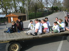 MLRA Earth Day Community Spring Clean Event 2010 (Musselman's Lake RA) Tags: 2 two lake beach day earth group most cedar excellent ward productions whitchurch association bannon councillor residents ravenshoe musselmans stoufville musselmanslake whitchurchstouffville mlra musslemanslakeresidentsassociation councillorphilbannon mostexcellentproductionsravenshoegroupward2two