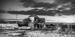 El tiempo deja huella (Edwin.1997) Tags: el movimiento ruinas nubes castillo edwin pasa exposicion larga tiempo salazar chabola
