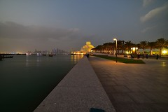 DSC_5840 Doha. Museum of Islamic Art (Santiago Sanz Romero) Tags: ngc doha qatar santiago sanz romero cornice mar sea shore paseomaritimo