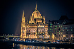 The Parliament at night (Vagelis Pikoulas) Tags: parliament pest budapest hungary travel night light lights city cityscape tamron 70200mm vc canon 6d europe 2016 november autumn