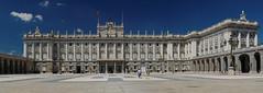 Palacio Real de Madrid (jacekbia) Tags: europa espania españa spain hiszpania madrid madryt pałac królewski panorama outdoor budynek building architektura architecture canon 1100d real