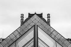 Paris (Photo VoJo) Tags: paris capital france city landscape landmark historical town vivalafrance loure louvre museum gallery architecture pyramid glass monalisa