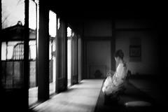 (willy vecchiato) Tags: japan candid street blackandwhite bianco e nero monochrome monocramatico strada woman donna grain bokeh motion kimono chimono timeless time less senza tempo melancholy kyoto temple geisha nostaliga contrast indoor nippon giappone