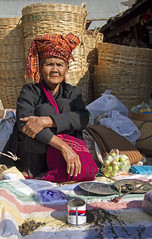 Samkar market (bag_lady) Tags: pao ethnic tribal market samkar sankar weeklymarket selling greentealeaves myanmar burma shanstate