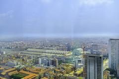 Milano (libretacanaria) Tags: milán milano italia italy palaciodelombardía skyscrapper rascacielos filtro cristal