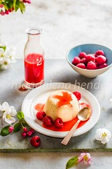 panna cotta with fresh raspberries and raspberry sauce (magshendey) Tags: pannacotta dessert sweet creamy food foodphoto foodphotography foodphotographer foodstyling raspberries summer light pudding sauce red sunny