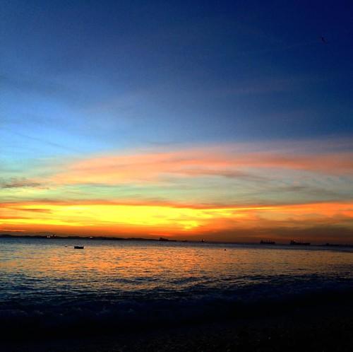 A ti te dedico esse céu sob a Baía, meu amor! Vc que é a própria magia dessas cores celestes. Que se renove sempre seu lindo olhar pras coisas da vida. Te amo, @vaniamedeirosss ❤️
