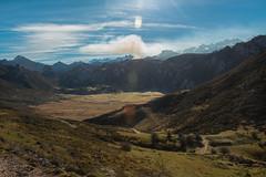 Picos de Europa (Juan R. Ruiz) Tags: picosdeeuropa mountains montañas lagos lagosdecovadonga asturias españa spain europe europa nature naturaleza sky clouds nubes cielo canon canoneos60d eos60d canoneos town
