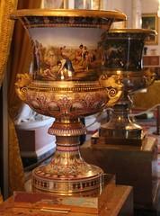 Osborne House - IOW-301116 (63) (ailognom2005) Tags: osbornehouse isleofwight oldbuildings englishheritagesite englishheritage ornament urn