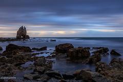Templo (gracampereira) Tags: templo ultimaluz ligth sunset seascape portizuelo longaexposicao ocean espanha canon rochas asturias spain rocks