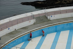 painters DSC00408 (rowchester) Tags: painters swimming pool plymouth paint blue sea