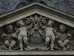 IMG_0400 (Le poids des mots, le choc des photo's) Tags: jaradeprest closeup beeld standbeelden gebouwen