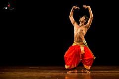 Parshwanath_4 (akila venkat) Tags: bharatanatyam parshwanathupadhye maledancer dancer art culture performance indiandance classicaldance bangalore sevasadan
