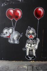 Lolie Darko_4722 boulevard du Général Jean Simon Paris 13 (meuh1246) Tags: streetart paris loliedarko enfant animaux éléphant ballon boulevarddugénéraljeansimon lelavomatik paris13 clown