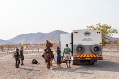 Carrying 3960 (Ursula in Aus) Tags: africa himba himbavillage namibia otjomazeva