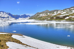 Tannensee Lake (keltikee) Tags: blue sky naturaleza lake snow mountains cold nature water azul landscape lago switzerland agua eau suisse suiza nieve lac paisaje bleu ciel reflect cielo reflejo paysage froid frio montaas montagnes niege