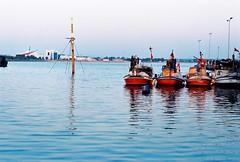 kırmızı tekneler