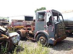 BRISTOL TRACTOR UNIT (TruckerPat) Tags: rusty scrapyard oldtruck oldlorry bristollorries oldbristoltruck