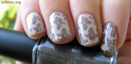 unhas brancas decoradas