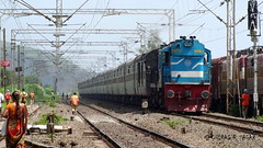 12216 Mumbai Bandra T Delhi Sarai Rohilla Garib Rath Express (CHIRAG SAGAR) Tags: t delhi indian express mumbai railways rath bandra sarai kte fitted dbr garib irfca 12216 16717 wdm3a katni rohilla offlink
