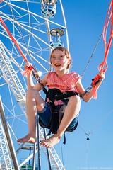 MD20130904CJ042 (christian_jacquet) Tags: game paris girl smile happy joy trampoline kind fete enfant fille sourire joie foraine granderoue elastic heureux jeux rebond feteaneuneu