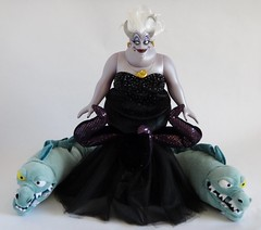 LE Ursula 17'' Doll with Flotsam and Jetsam 16'' Plush - The Little Mermaid - US Disney Store - Group Photo (drj1828) Tags: us plush octopus groupphoto flotsam eel villain ursula purchase limitededition disneystore 17inch jetsam thelittlemermaid 16inch 2013 le2000 thelittlemermaidplushcollection