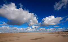 (ingomann) Tags: sea cloud seascape beach strand landscape coast sand noordzee wideangle northsea nordsee texel northsee