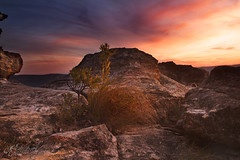 Sunset Rock || Mount Victoria (edwinemmerick) Tags: sunset sky cloud weather rock canon australia bluemountains dos nsw 7d newsouthwales edwin clim mtvictoria emmerick edwinemmerick