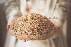 1_El pan en las manos (32) (Maril V.) Tags: marina bread pain hands manos pan cereales 2014 semillas pandecerales marilvalle vision:food=0715