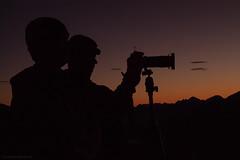 Fotgrafos da madrugada (Camila M. Guerra) Tags: mountain southamerica brasil riodejaneiro serra montanha fotgrafo rocio petrpolis amricadosul photografer amricadelsur brazul morrodobonet montaafotografia
