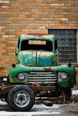 green FO (IndyEnigma) Tags: old winter snow green ford truck junk decay indiana d80