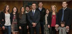 Rafael Serralta y Fuensanta Carrillo con los premiados por sus brillantes expedientes