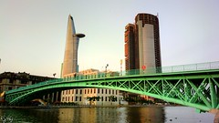the green bridge. (Mr.Foxtails) Tags: nokia 808 pureview