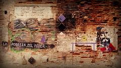 LA POBREZA DEL PODER (Felipe Smides) Tags: streetart mural valparaíso pobreza poder muralismo erico smides felipesmides