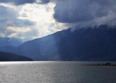 Un raggio di sole è per te. (illyphoto) Tags: photoilariaprovenzi comolake lakecomo geralario lagodicomo