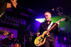 IMG_2344 (redrospective) Tags: 2017 20170316 davehause london march2017 timhause thegarage brothers concert concertphotography electricguitar gig guitar guitarist instruments live man men microphone music musicphotography musicians people singer singing spotlights