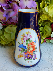 Meissen Porcelain Vase ~ Dresden Flowers ~ Cobalt Blue ~ Gold 1st Qlty (Donna's Collectables) Tags: meissen porcelain vase ~ dresden flowers cobalt blue gold 1st qlty