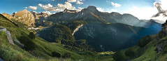 Gourette à la fin de l'été. (penelope64) Tags: pyrénées pyrénéesatlantiques gourette paysagemontagne mountain montagne béarn pics peaks lumière canoneos40d canon1022mm panoramique