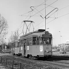 Genieten van het aprilzonnetje (Tim Boric) Tags: rotterdam molenvliet tram tramway streetcar strassenbahn ret allan