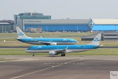 KLM B737-8K2 PH-BGC and KLM Cityhopper E190 PH-EZY at AMS/EHAM (AviationEagle32) Tags: amsterdamschipholairport amsterdam ams amsterdamairport amsterdamschiphol schiphol schipholairport schipholviewingterrace panorama panoramaterrace eh eham thenetherlands airport aircraft airplanes apron aviation aa aeroplanes avp aviationphotography avgeek aviationlovers aviationgeek aeroplane arrivals airplane planespotting planes plane flying flickraviation flight vehicle tar tarmac klm klmroyaldutchairlines klmcityhopper klmasia airfranceklm sky skyteam boeing boeing737 b737 b737ng b737800 b738 b7378k2 phbgc winglets embraer emirates e190 e190lr e190100 phezy