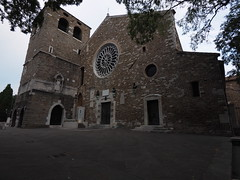 Trieste_125_7144_Hi-RES (Paolo Chiaromonte) Tags: olympus omdem5markii panasoniclumixgvario714mmf4asph micro43 paolochiaromonte trieste friuliveneziagiulia italia hires travel chiesa church chiesadisangiusto italy