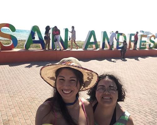 Con la sobrina más linda del mundo mundial! #DonOsoResidence #DonOsoTrip #beach #sanandresisla #nofilter