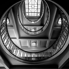 Glaze (Elbmaedchen) Tags: staircase stairs treppenauge schwarzweis blackandwhite sw bw inside helix roundandround architektur architecture stufen esplanadebau hamburg